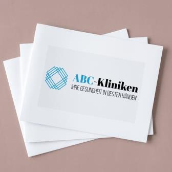 Abstrakte Logos sind eher für Kliniken oder größere Praxisgemeinschaften mit mehreren Arbeitsgebieten geeignet.